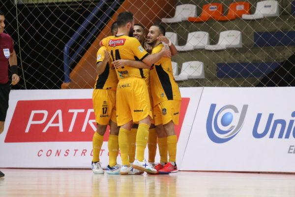 Magnus Futsal vence Tubarão na semifinal da Liga Nacional