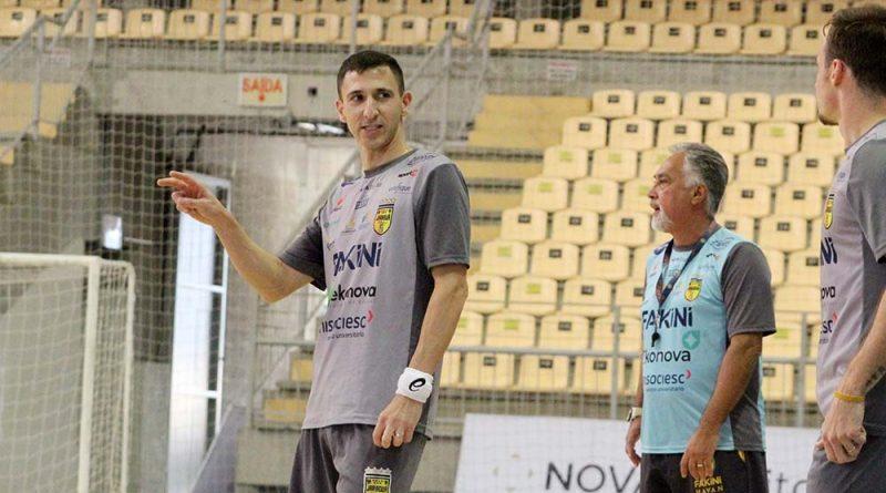 Di Maria anuncia seu retorno ao futsal da Indonésia